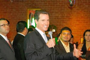 Gavin_Newsom_Young_Democrats_09_03